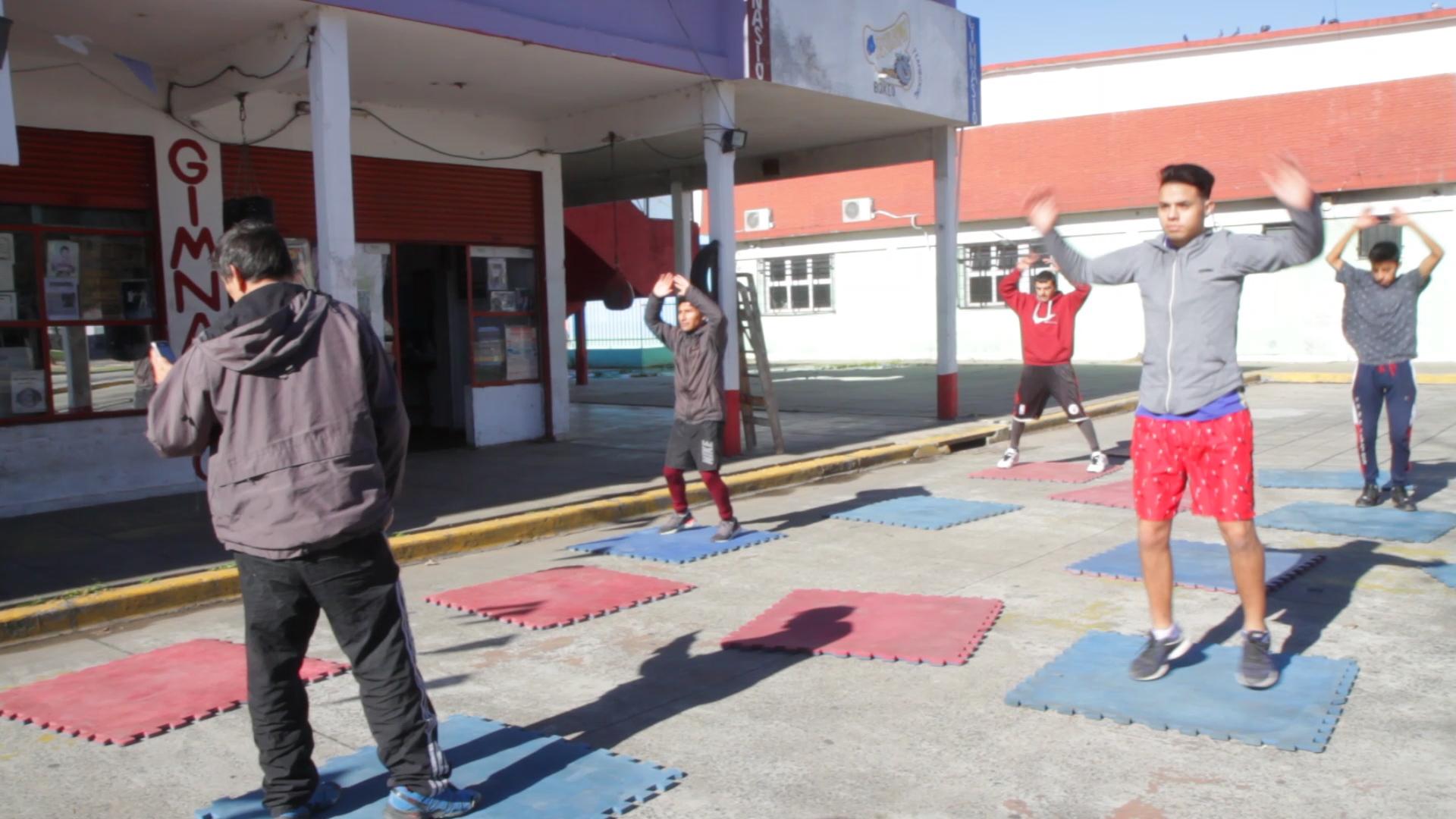 Los chicos asisten con ganas cada entrenamiento.