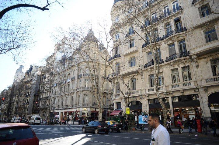 Desde 2018, la Ciudad encaró un proceso de restauración de las fachadas de la avenida. Foto: Germán García Adrasti