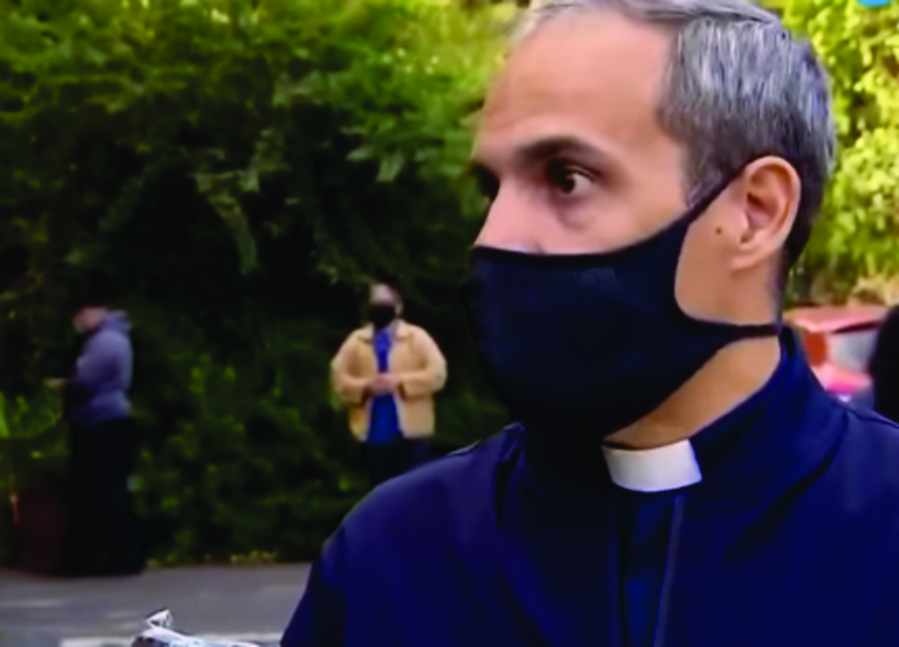 Padre Eusebio, párroco de Nuestra Señora de Caacupé