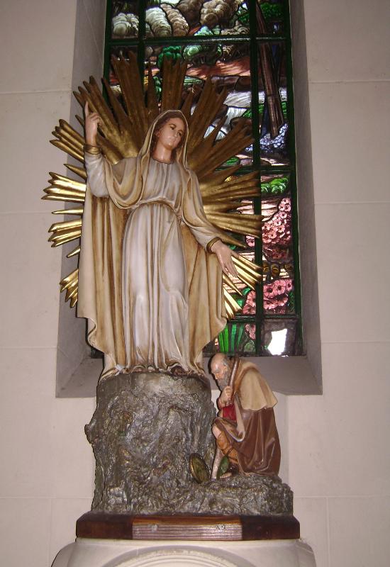Imagen de la Virgen de la Misericordia traída de Italia. Actualmente en la Parroquia Santa Julia